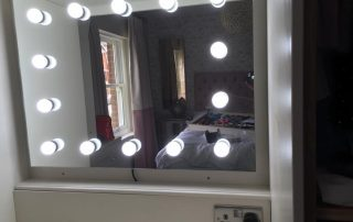 Hollywood Mirror NP Electrics